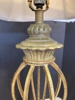 ORNATE STYLE TABLE LAMP WITH SHADE - 4
