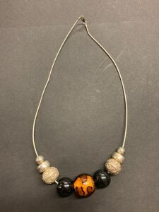 .925 NECKLACE WITH GLASS BEADS