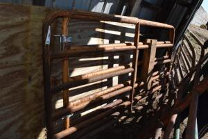 (2) 8ft Sioux gates with hangers