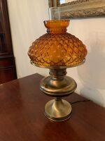 BRASS TABLE LAMP WITH AMBER GLOBE - 2