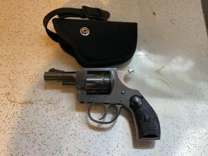 H & R Model 929 9 shot 22 revolver with holster