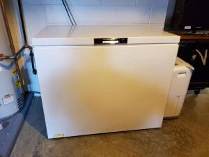 "Kenmore Chest Freezer, WORKING Condition, NO key, 43"" long, 27 deep, and 37 inches tall"