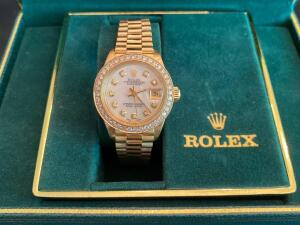 18 KT Gold Lady President Rolex with MOP-Diamond bezel