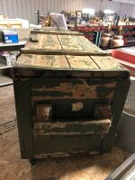 VINTAGE GREEN WOOD AND METAL ARMY TRUNK ON WHEELS AND WOOD HANDLES - 3
