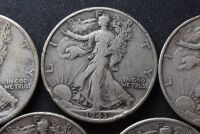 FIVE WALKING LIBERTY SILVER HALF DOLLARS - 3