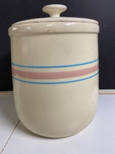 VINTAGE COOKIE JAR WITH LID