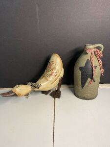 COUNTRY DECOR DUCK AND POTTERY JUG WITH STAR