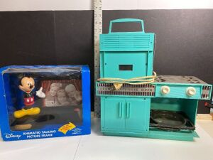 VINTAGE EASY BAKED OVEN AND DISNEY ANIMATED TALKING PICTURE FRAME