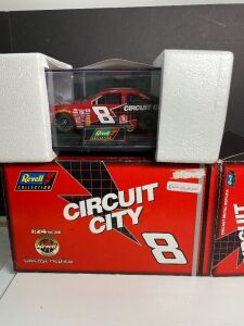 REVELL DALE EARNHART CIRCUIT CITY 1.24 SCALE CAR IN BOX