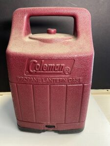COLEMAN LANTERN IN A CARRYING CASE