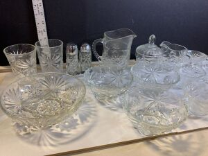 STAR OF DAVID PATTERN GLASSWARE