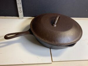 NO. 8 CAST IRON SKILLET WITH LID