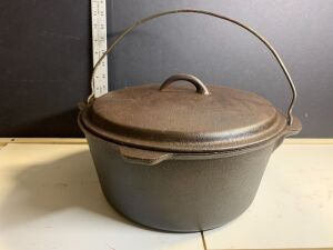 9 QT. CAJUN CLASSIC CAST IRON POT WITH LID