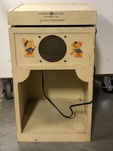 'GENERAL ELECTRIC' ELECTRONIC TOY RECORD PLAYER