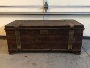 RUSTIC WOOD CHEST w/SHELF