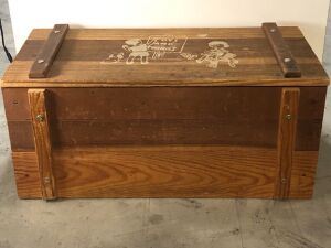 'TOYS AND THINGS' WOODEN TOY CHEST w/ROPE HANDLES