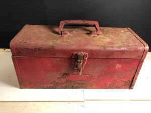 VINTAGE CRAFTSMAN TOOLBOX w/ASSORTED WRENCHES AND SOCKETS