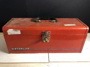 WATERLOO METAL TOOLBOX w/ASSORTED HANDTOOLS