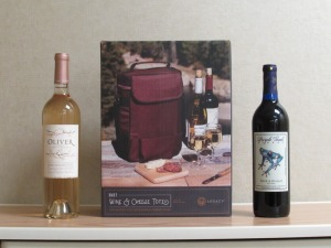 Burgundy 2 Wine Bottle Picnic Tote w/2 Bottles of Wine