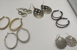 APPROXIMATELY SIX PAIR OF FASHION ESTATE JEWELRY EARRINGS.