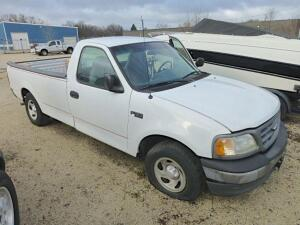 2001 Ford F-150 Pickup (NEEDS REPAIRS BAD TRANSMISSION)