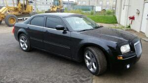 2005 Chrysler 300, 154404 miles,6Cly,Power; Windows, Leather Seats,Doors, AC, Cruise