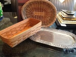 Collection of items - 2 woven baskets and silver colored serving tray with western design