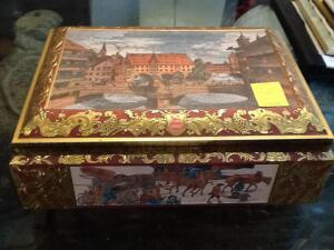 Decorative cookie tin from Germany