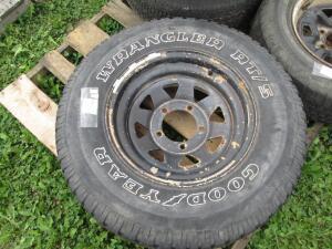 (1) Goodyear Wrangle RTS P23575R15 used tire on 5-hole rim