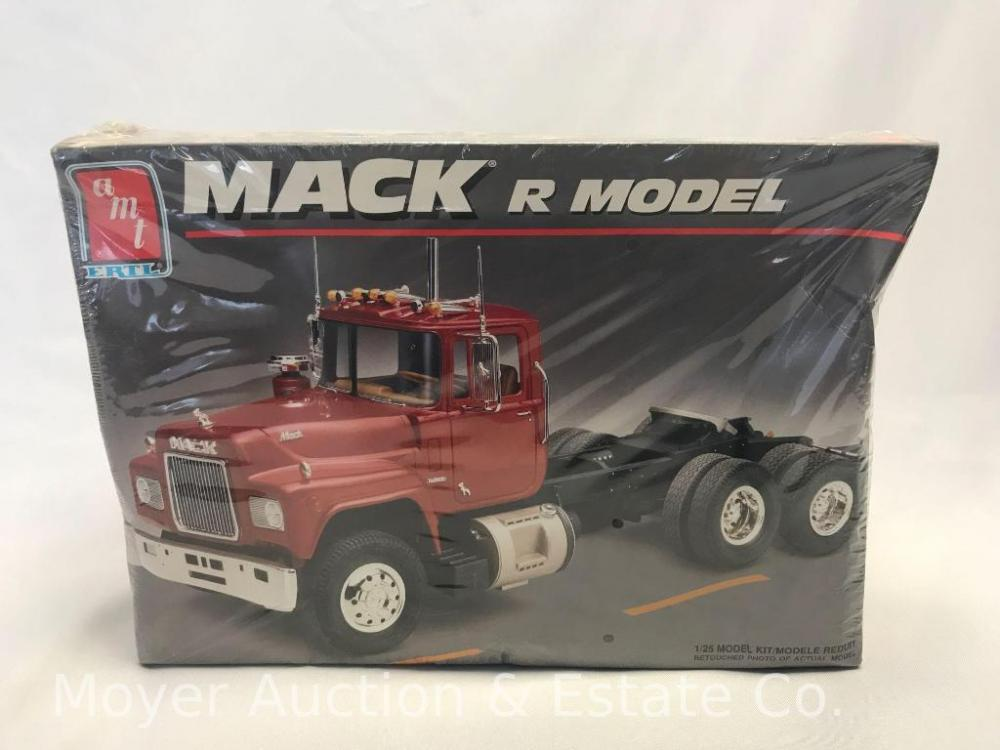 New AMT Mack R Model Kit