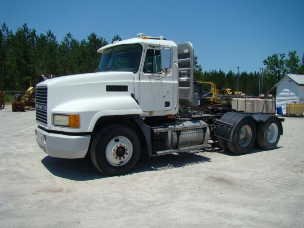 2003 MACK CH613 Tandem Axle, Twin Screw, Day Cab, with