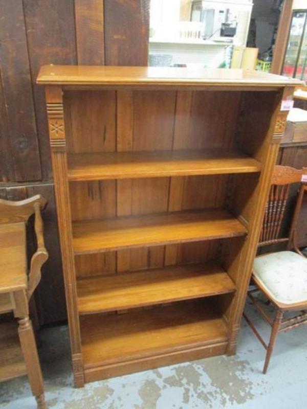 Lot 11 Of 335 Antique Oak Bookshelf