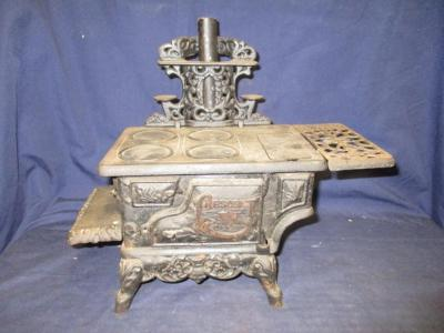 Crescent cast iron stove