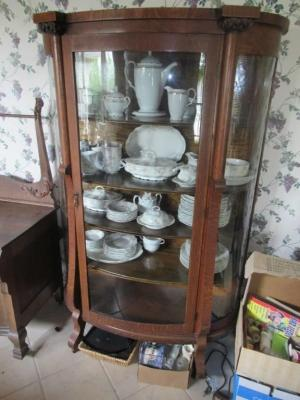 ANTIQUE OAK CHINA CABINET WITH CURVED GLASS DOORS