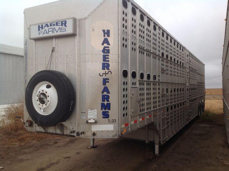 2000 Merritt Livestock Transport Trailer (Pot) 53` Tri-Axle with Air